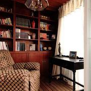 深色调书房装修