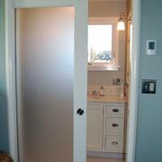 厨房玻璃门装修图片
