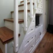 婚房楼梯装修图片