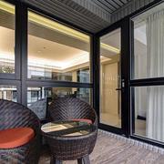 三室两厅两卫玻璃门