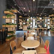 浅色调咖啡厅设计