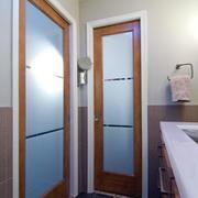 卫生间玻璃门装修