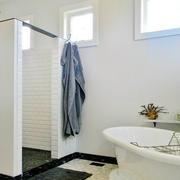 白色调卫生间设计