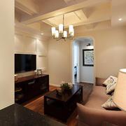 暖色调三室一厅装修