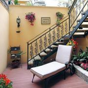入户花园楼梯效果图