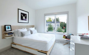 白色简约小卧室装修