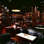 自然风格酒吧图片