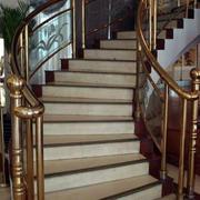 旋转型楼梯扶手装修