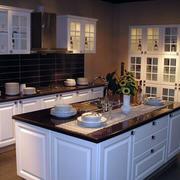 别墅厨房厨柜图片