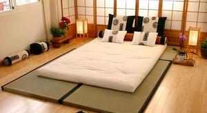 腰好腿好精神好:大户型卧室榻榻米床装修效果图