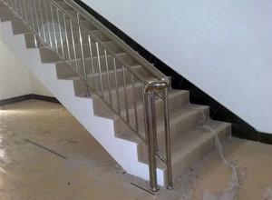 丝滑柔顺 手感极佳不锈钢楼梯扶手装修效果图