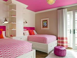 粉色调双人床