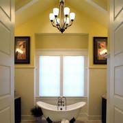 温馨色调卫浴设计