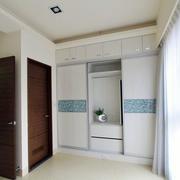 两室一厅衣柜图片
