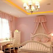粉色调儿童房