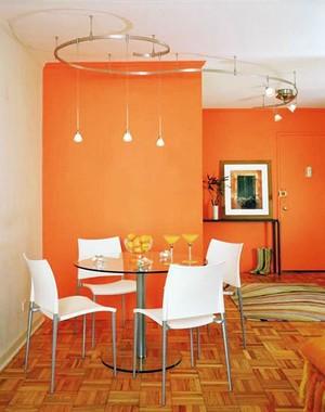 装扮特美用餐区:现代餐厅吊灯装修效果图片