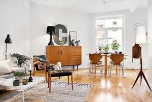 打造潮流:简约北欧风格现代客厅字母装饰画装修效果图