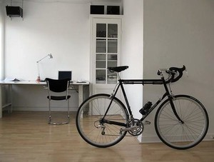 2015简单、有型自行车家居装饰设计效果图