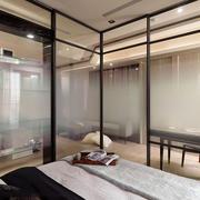 一室一厅玻璃隔断