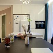 两室一厅简约风格餐桌布置