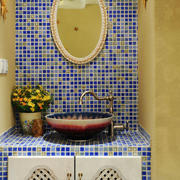 婚房简约风格卫生间镜饰装饰