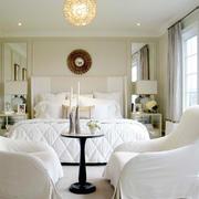 白色简约卧室门