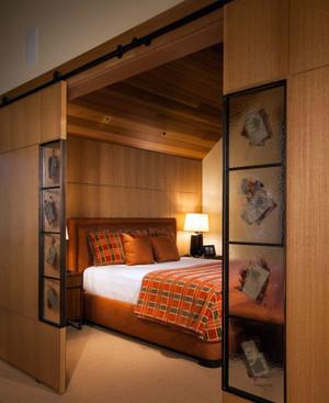 方便实用的精美卧室推拉门装修效果图