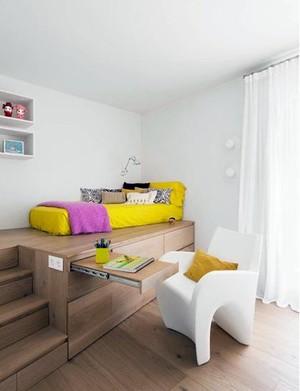 省钱省空间:多功能的家居实木地台装修效果图
