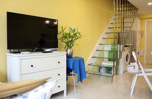 小角落大容量 合理规划后的阁楼楼梯装修效果图