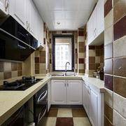 室内家装U型厨房效果图