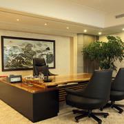 办公室桌椅装修