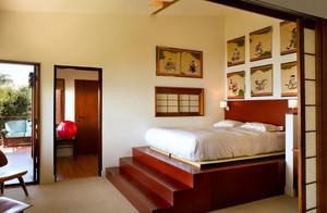 118平米复式楼卧室榻榻米床装修效果图