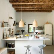清淡色调厨房吧台