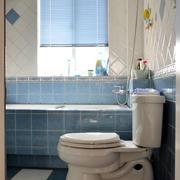 蓝色调卫生间