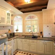 韩式清新风格U型厨房样板房装饰