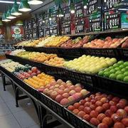 深色铁制水果店货架效果图