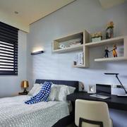 三室一厅后现代风格卧室电脑桌装饰