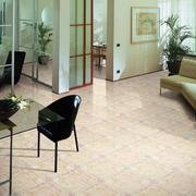 后现代风格室内玻璃桌椅装饰