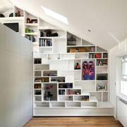 现代简约风格斜顶阁楼书柜装饰