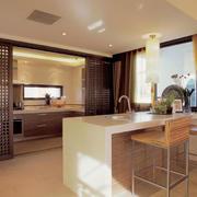 日式简约风格客厅隔断装饰
