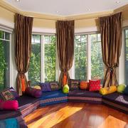 东南亚风格别墅客厅窗户设计