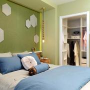 复式楼简约风格卧室床头背景墙装饰
