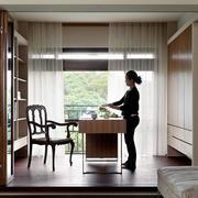 日式简约风格别墅书房装饰