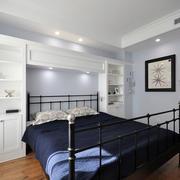 复式楼简约风格卧室床头柜装饰