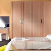 日式简约风格卧室衣柜装修