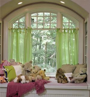 一帘幽梦:浪漫温馨而不失奢华的欧式飘窗装修效果图