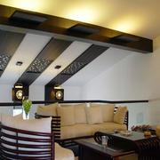 斜顶阁楼后现代风格客厅装饰