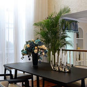 欧式简约风格客厅餐桌装饰
