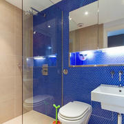 蓝色系卫生间瓷砖装饰