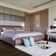三室两厅简约风格卧室软包背景墙装饰